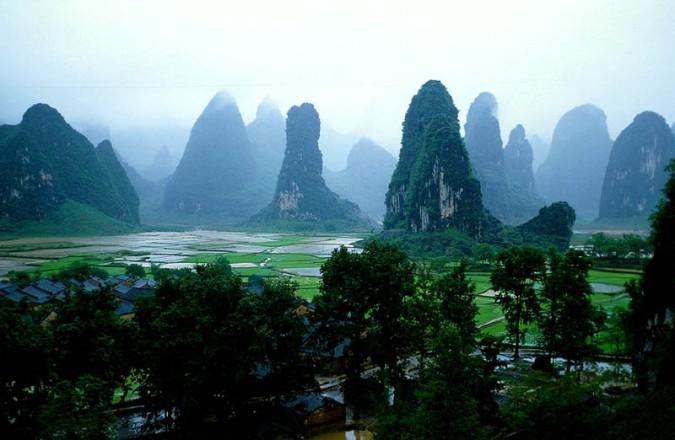 http://iamforchange.files.wordpress.com/2014/05/d39f8-guilin-mountains-china.jpg?w=675&h=440